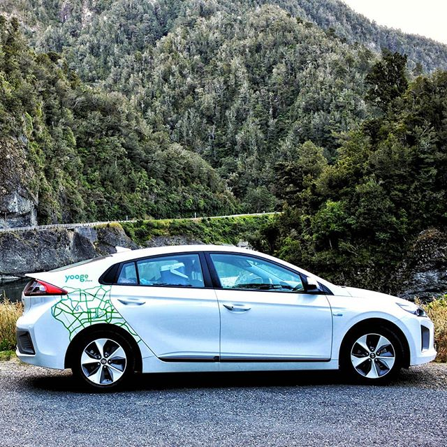 Fancy a road trip this weekend? Make it an electric one! Our $99 weekend rate starts at 5pm tonight and ends at 9am Monday and 540km of travel. Book via the Yoogo Share app or website ✌️