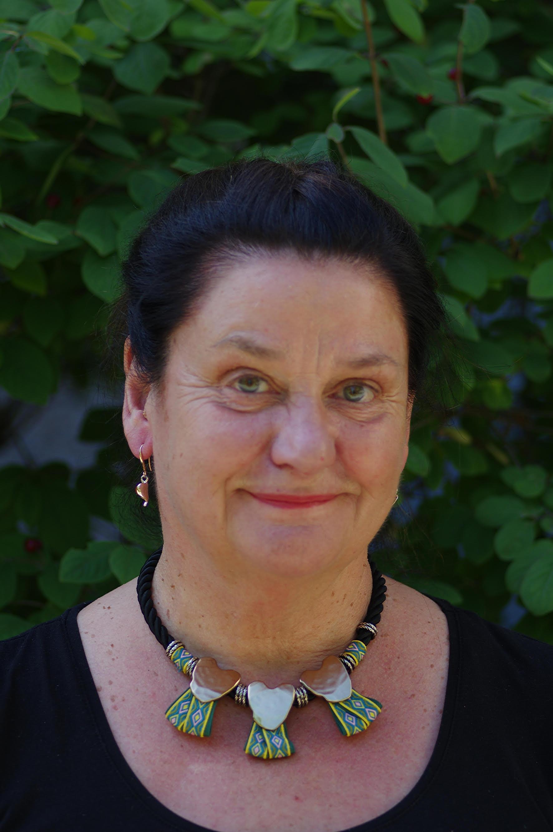 Pia är legitimerad psykolog och legitimerad psykoterapeut med inriktning KBT.