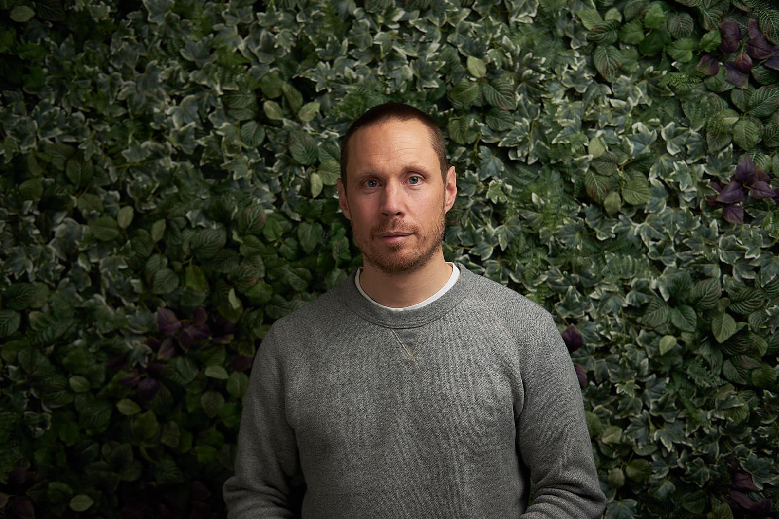 Erik är legitimerad psykolog med utbildning inom KBT, unified protocol, motiverande samtal, compassionfokuserad terapi, ACT och MBKT.