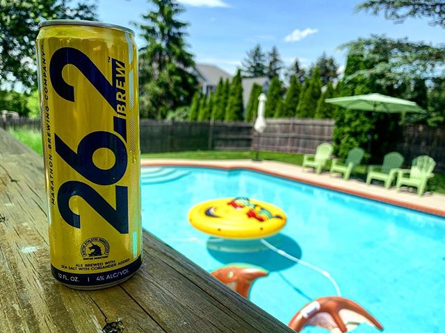 Great day for some beer and the pool with friends... @cpflyers @katiebmark1019