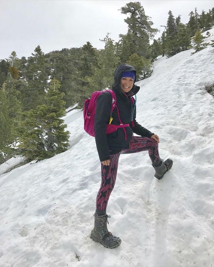 Snow hiking to Cucamonga peak