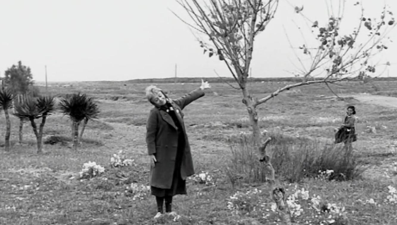 image from Fellini's  La Strada