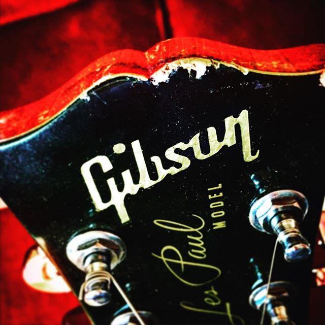 Guitars sound better after they get lovingly beaten up in service to rock n' roll. #musicianlife #guitar #gibsonlespaul #lespaul #countrymusic #rocknroll #rockmusic #davemyersmusic #sixstringrock #musicgear #guitarrista