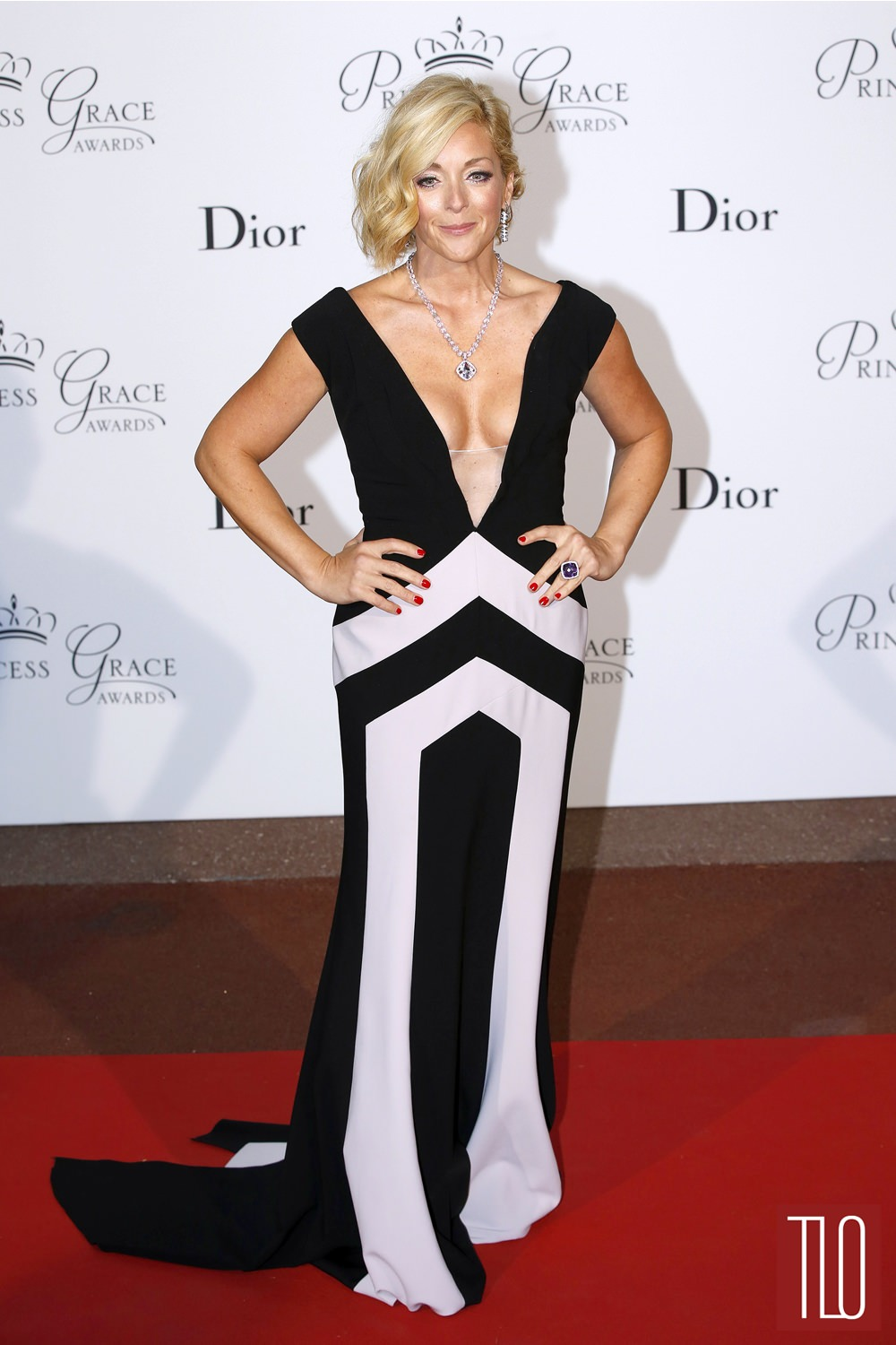 Jane-Krakowski-2015-Princess-Grace-Awards-Gala-Red-Carpet-Fashion-Bibhu-Mohapatra-Tom-Lorenzo-Site-TLO-1.jpg