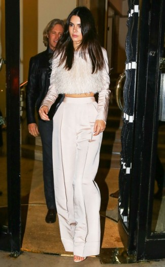 kendall-jenner-is-absolutely-killing-it-at-paris-fashion-weeksee-all-her-fabulous-looks-on-kardashia-1444316898g84kn.jpg