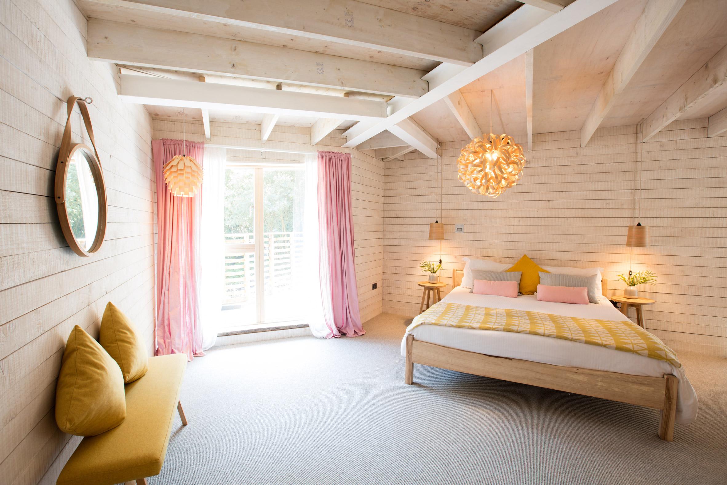 steam-bent-house-tom-raffield-architecture-residential_dezeen_2364_col_2.jpg