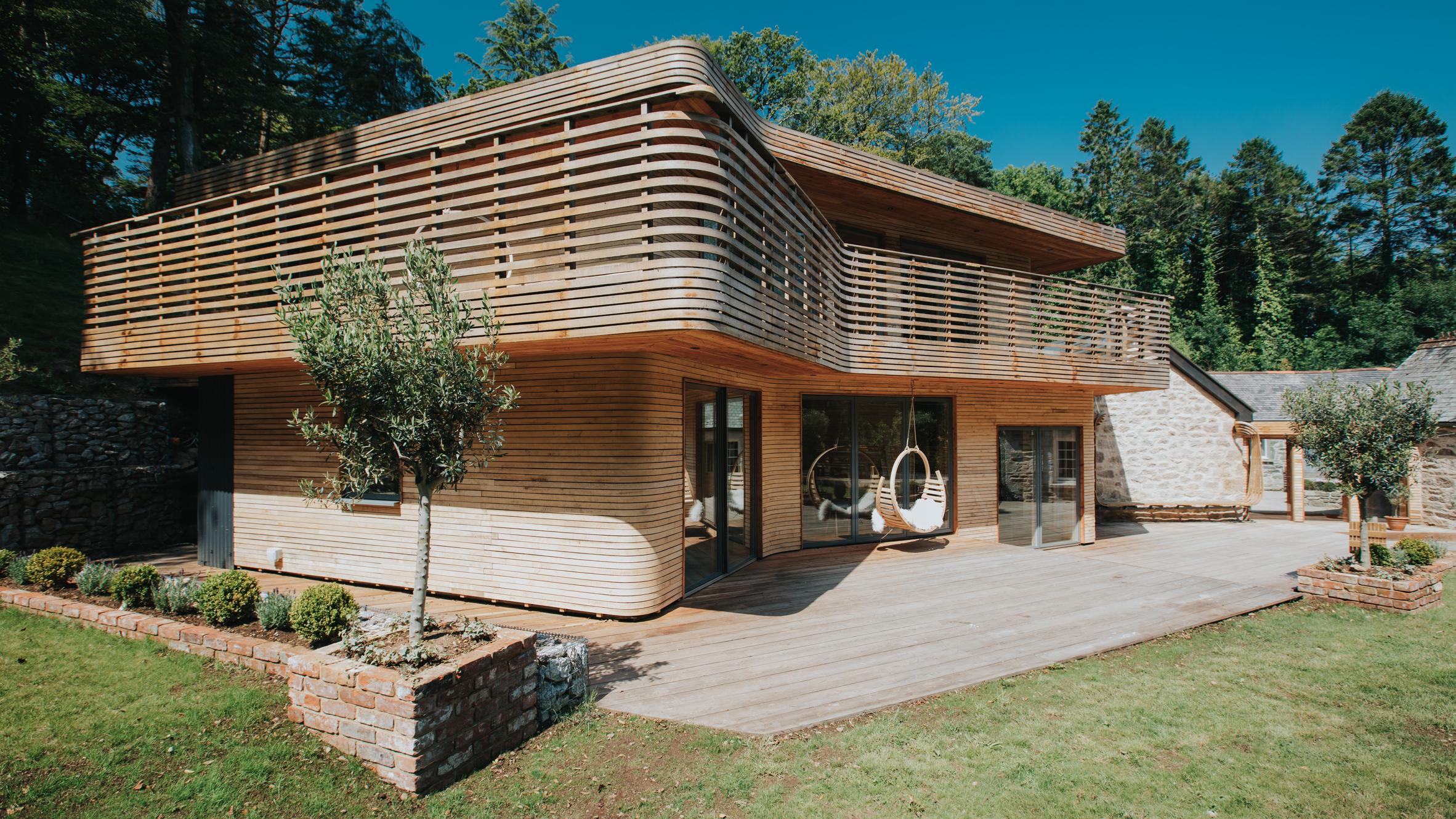 tom-raffield-grand-designs-house-dezeen-hero1.jpg
