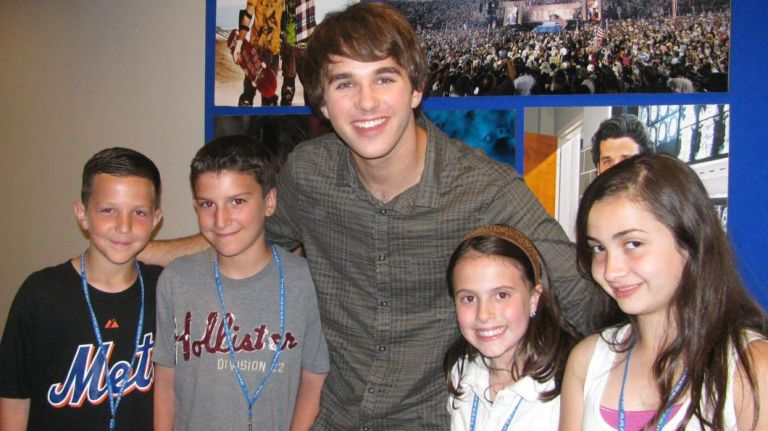 "Actor Hutch Dano, center, star of Disney's ""Den Brother"" with Kidsday reporters Patrick Hoffman, Paul Nigro, Nicole Luciano and Jessica Zweigbaum Photo Credit: Newsday Photo/Pat Mullooly"