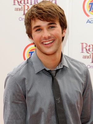 Hutch Dano attends the Premiere of Ramon & Beezus