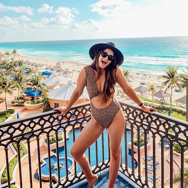 Ready for this weekend to start! @tash_cushing in our Gaia one piece. Now available @dillards #radiofiji