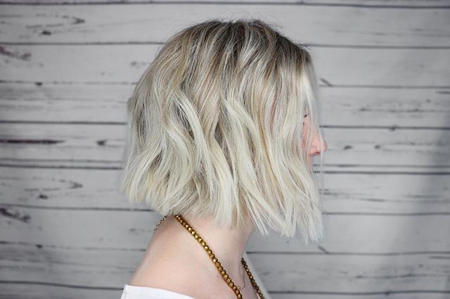 Super chic blunt bob done by @kelsey.daven.hair