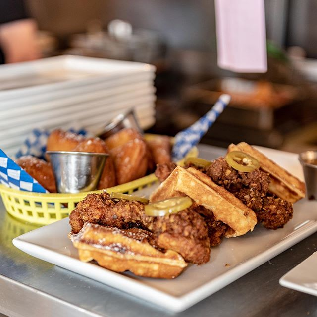 A good chicken & waffles image tease for you tonight. Gaze at them, and then come in and enjoy them tomorrow! 🙂👍🏼 . . . . . . . . . . . . . #yvreats #goodmoodfood #hypefeast #brunchlover #foodheaven #igersvancouver #vaneats #appetitejournal #tastespotting #devourpower #vaneats #foodography #foodstagramming #curiocityvan #buzzfeast #vancouvereats #vancouverlife #brunchgoals #narcitycanada #narcityvan #dailyviewbc #dailyhivevan #dishedvan #zagat #dailyviewvancouver #canadianmade #locallysourced #yolksbreakfast #chickenandwaffles