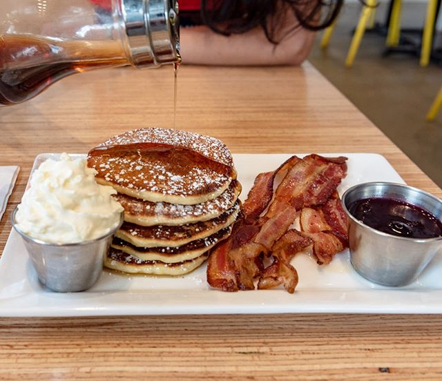 Hip hip hooray! The weekend is here! - How about some pancakes for your Saturday brunch? Get that syrup on and bite into a delicious dish! - See you tomorrow folks! 🙂 . . . . . . . . . . . . #pancakebrunch #yolksbreakfast #dailyhivevan #foodpics #foodiegram #weekendvibes #eatcouver #fortheweekend #sweetandsavoury #devourpower #getinmybelly #dishedvan #narcityvancouver #yvreats #weekendtime #curiocityvan #eatingfortheinsta #eaaaaats #eatlocal #vancouverisawesome #foodphotography #breakfasttime☕️ #brunchto #yumyum #ilovetoeat #goodmoodfood #thefeedfeed
