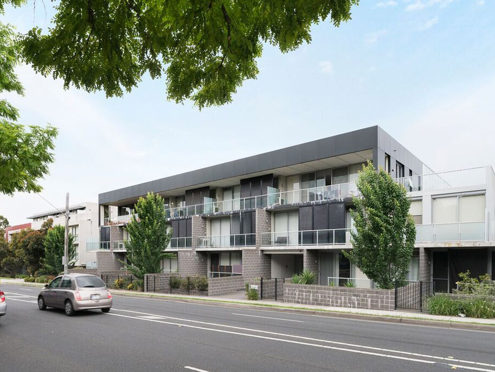 286 – 290 BLACKBURN ROAD, GLEN WAVERLY   Located a stones throw away from the Glen shopping precinct and surrounding amenities, 286 – 290 Blackburn Rd completed with 40 luxury modern apartments sold out prior to completion and is unmatched in the outer Melbourne market.  Project Value:  $35M