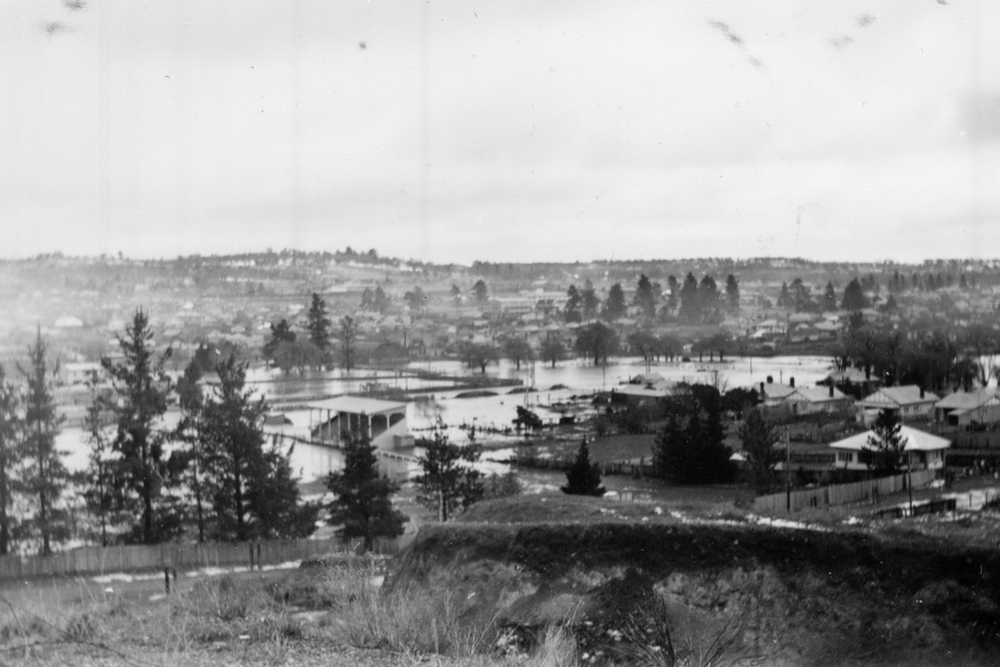 Flooding of the Rugby oval on Dumaresq St - 1949