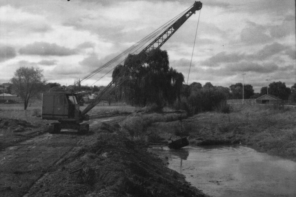 Excavation to de-silt Dumaresq Creek - 1968