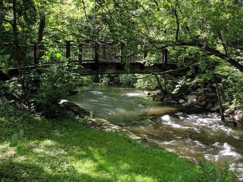 Attractive footbridge over Minnehaha Creek