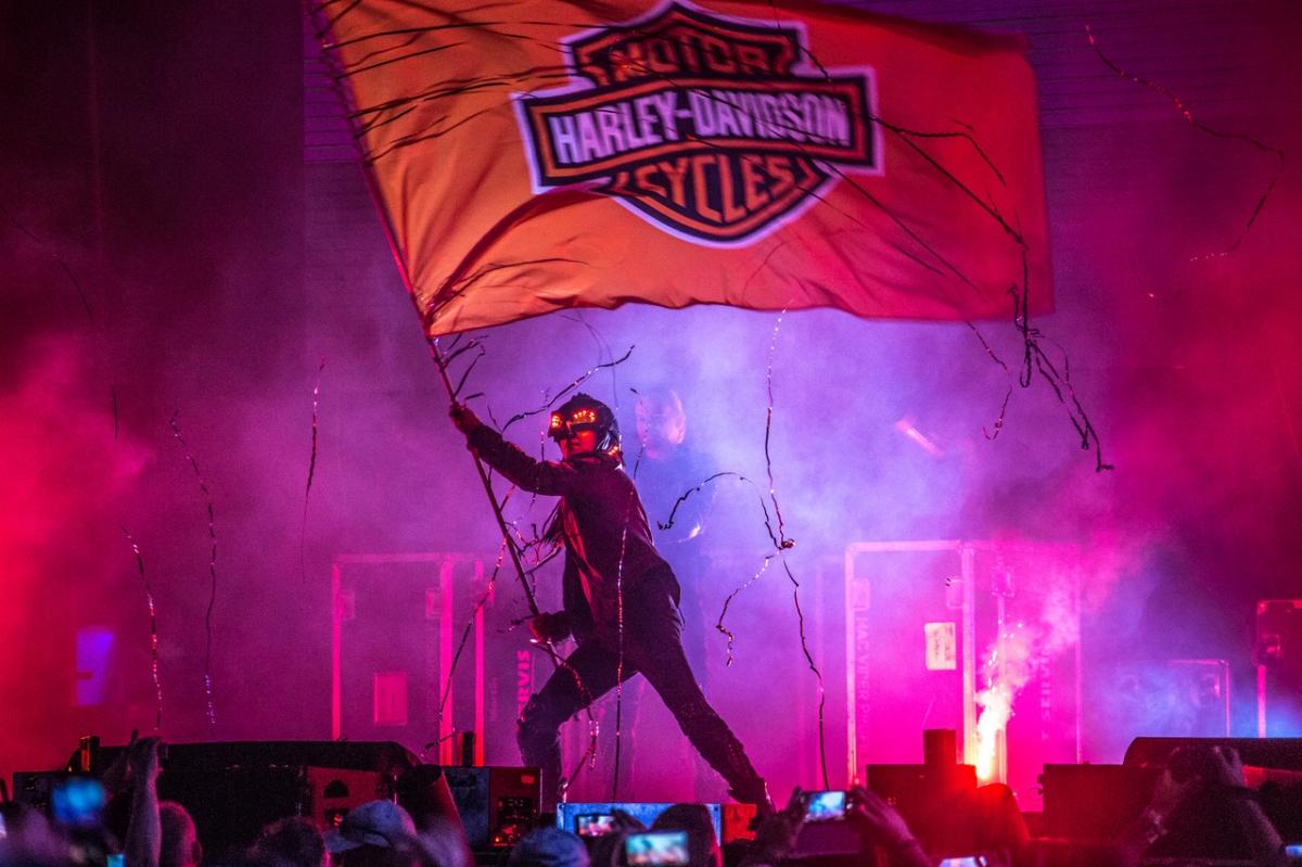 Manifesto-Market-Harley-Davidson-flag-3.jpg