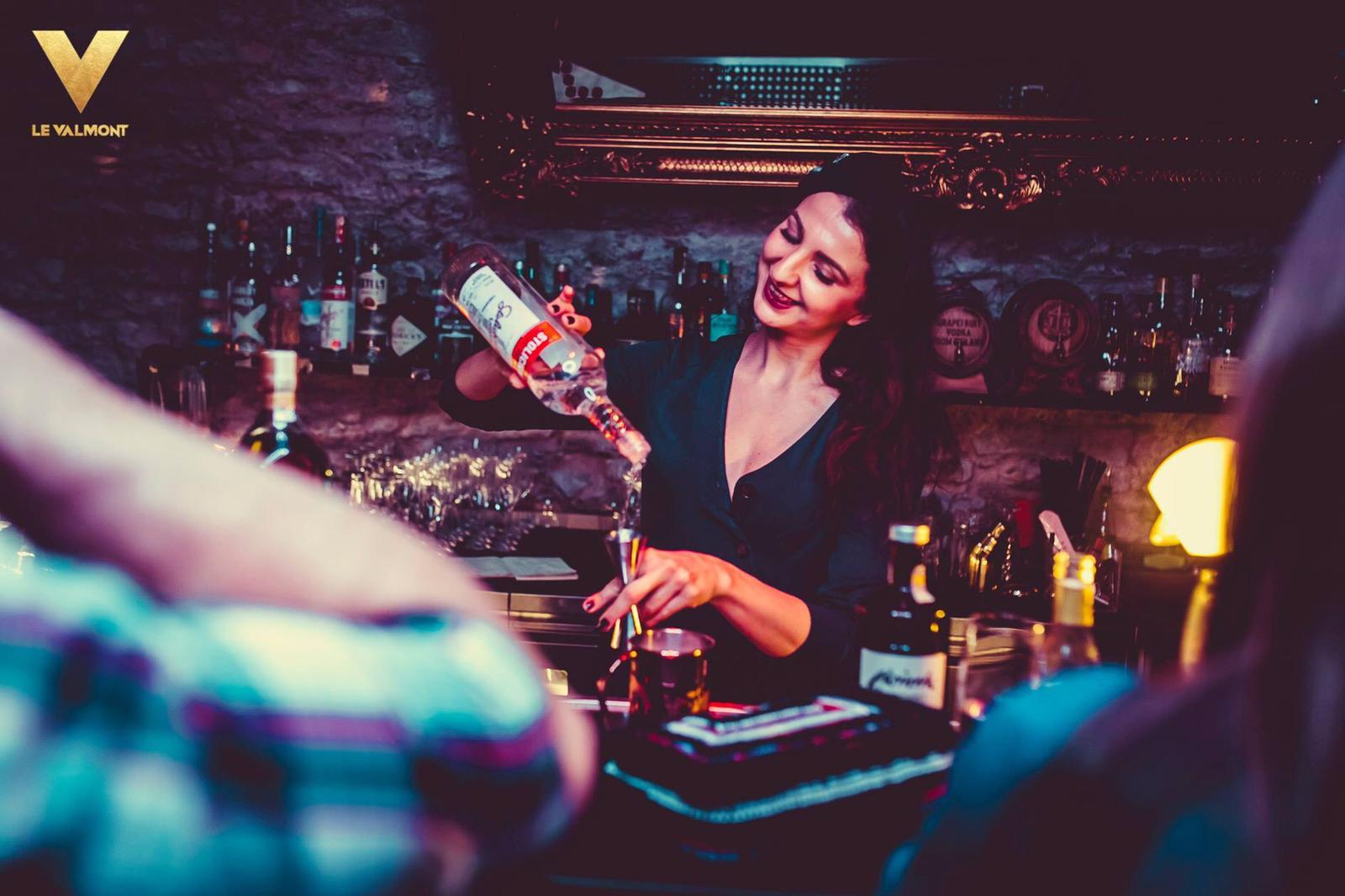 - Le Valmont Bubbles Bar