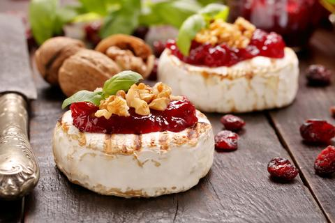 manifesto-market-vege-punk-Grilled Camembert with berry sauce.jpg