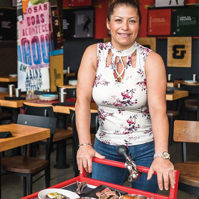 Dana Rodriguez - Super Mega Bien