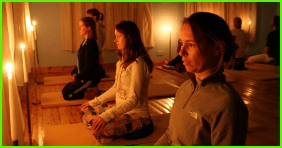 What-Are-The-Benefits-Of-Candle-Light-Meditation-1.jpg