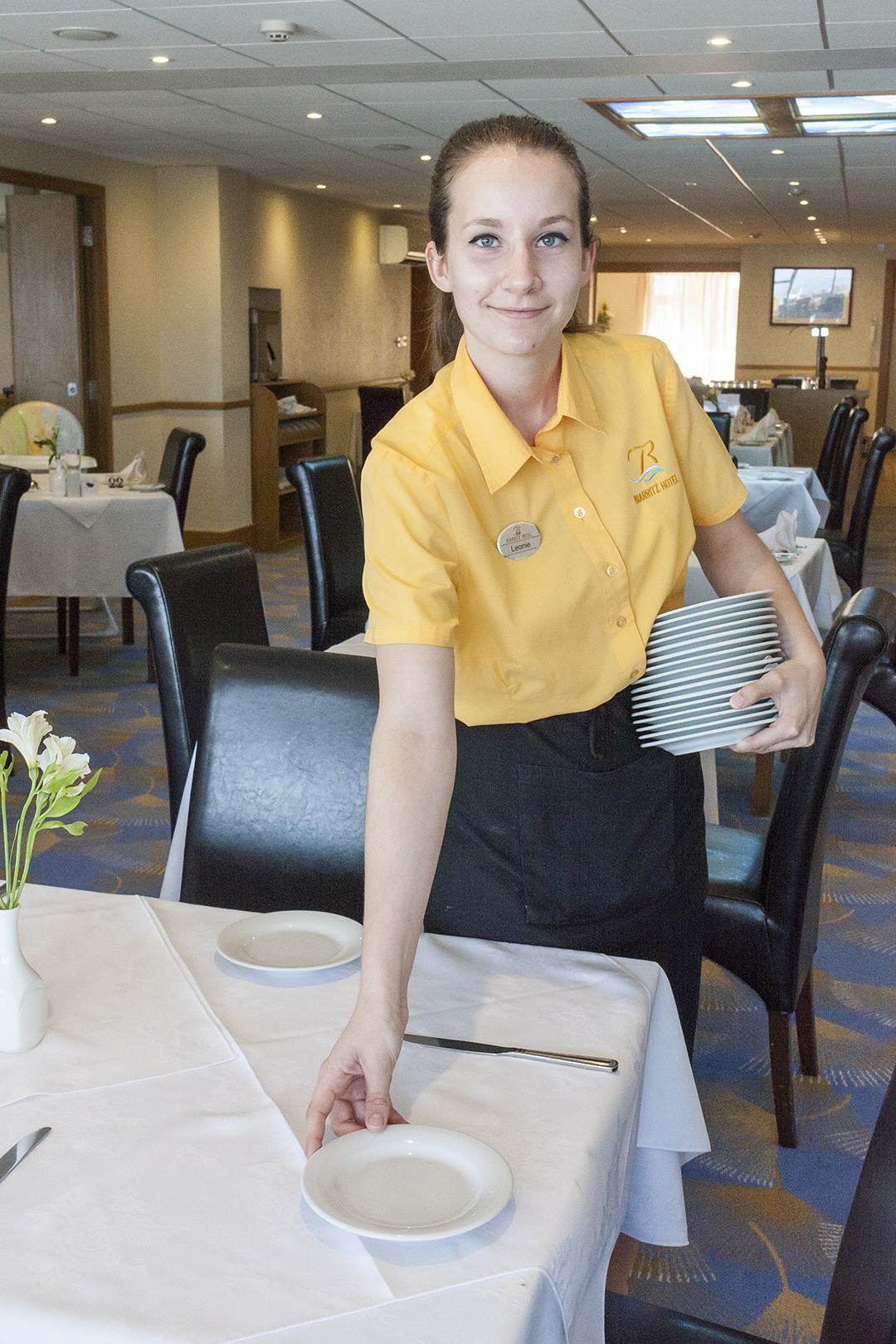 biarritz staff serving_2.jpg
