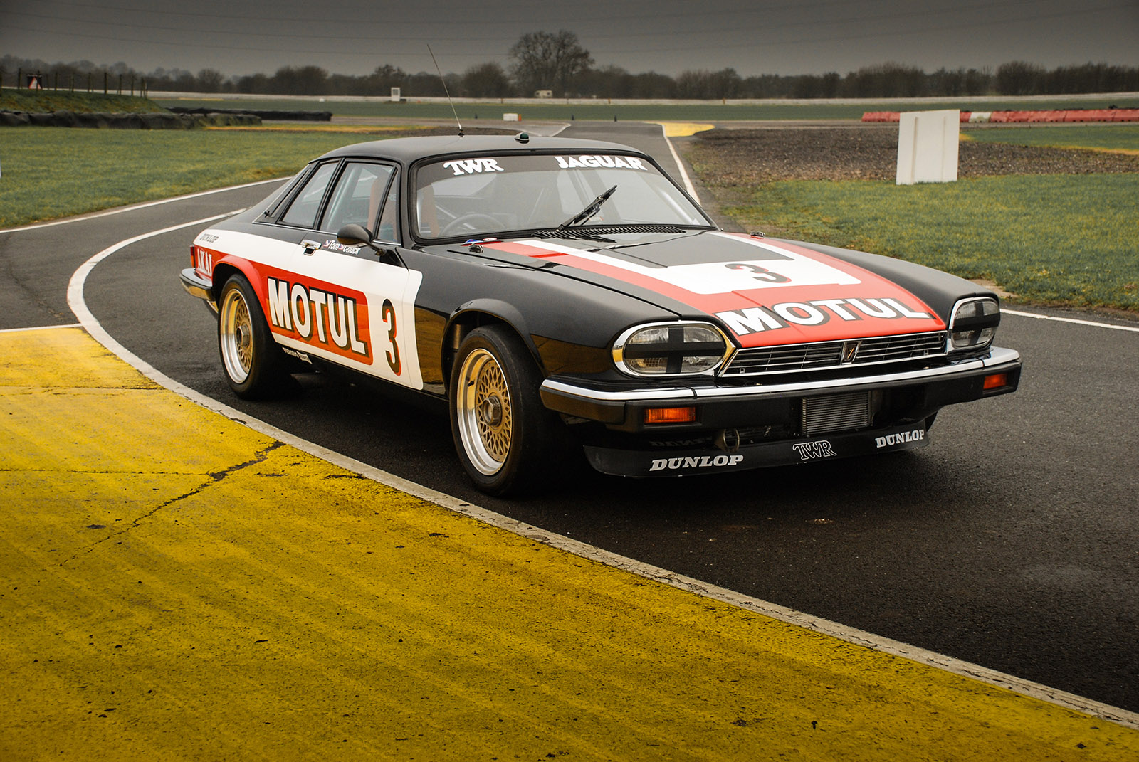 jaguar_twr_xjs_walkinshaw_wilkinson_sayer_selection_right_front_profile.jpg