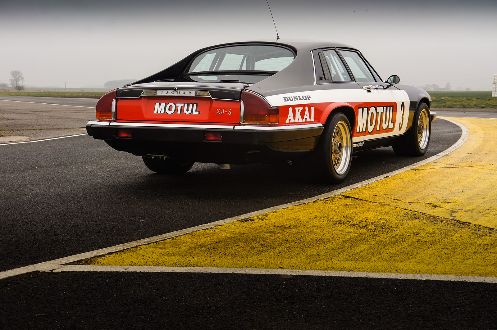 jaguar_twr_xjs_walkinshaw_wilkinson_sayer_selection_right_rear_profile.jpg.jpg