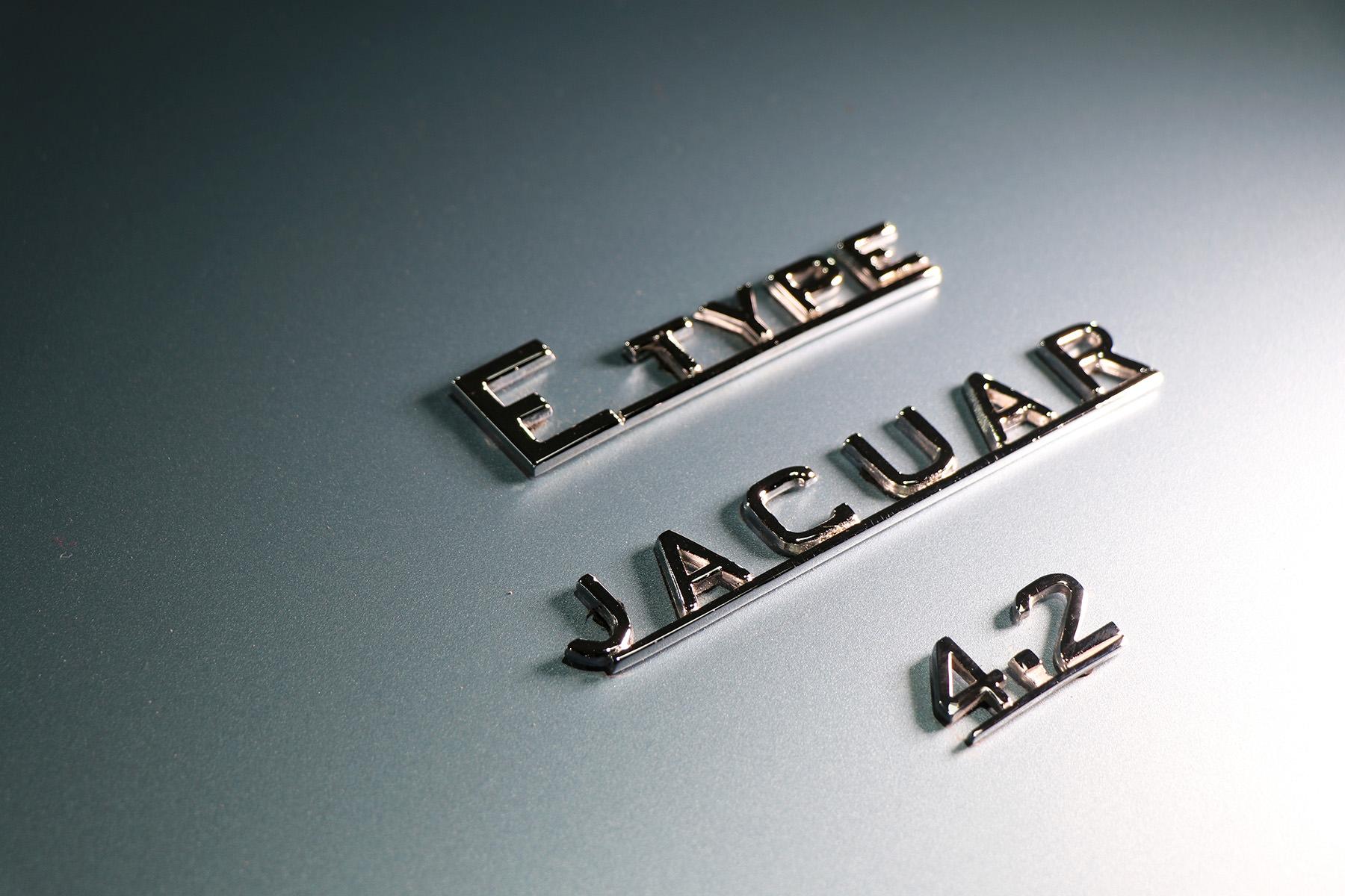 1966_opalescent_silver_blue_Jaguar_Sayer_etype_series _I_4_resized.jpg