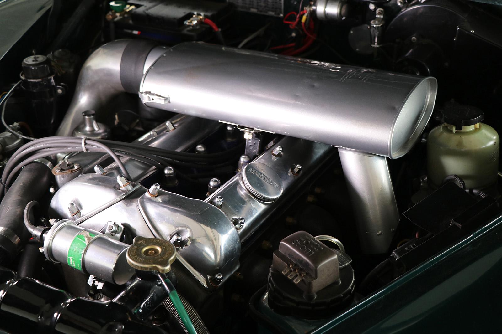 1959_Jaguar_Mark 1_sayer selection_duncan hamilton_lady cheatham_18_web.jpg