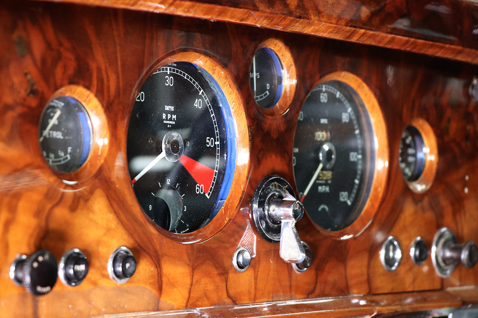 1959_Jaguar_Mark 1_sayer selection_duncan hamilton_lady cheatham_23_web.jpg