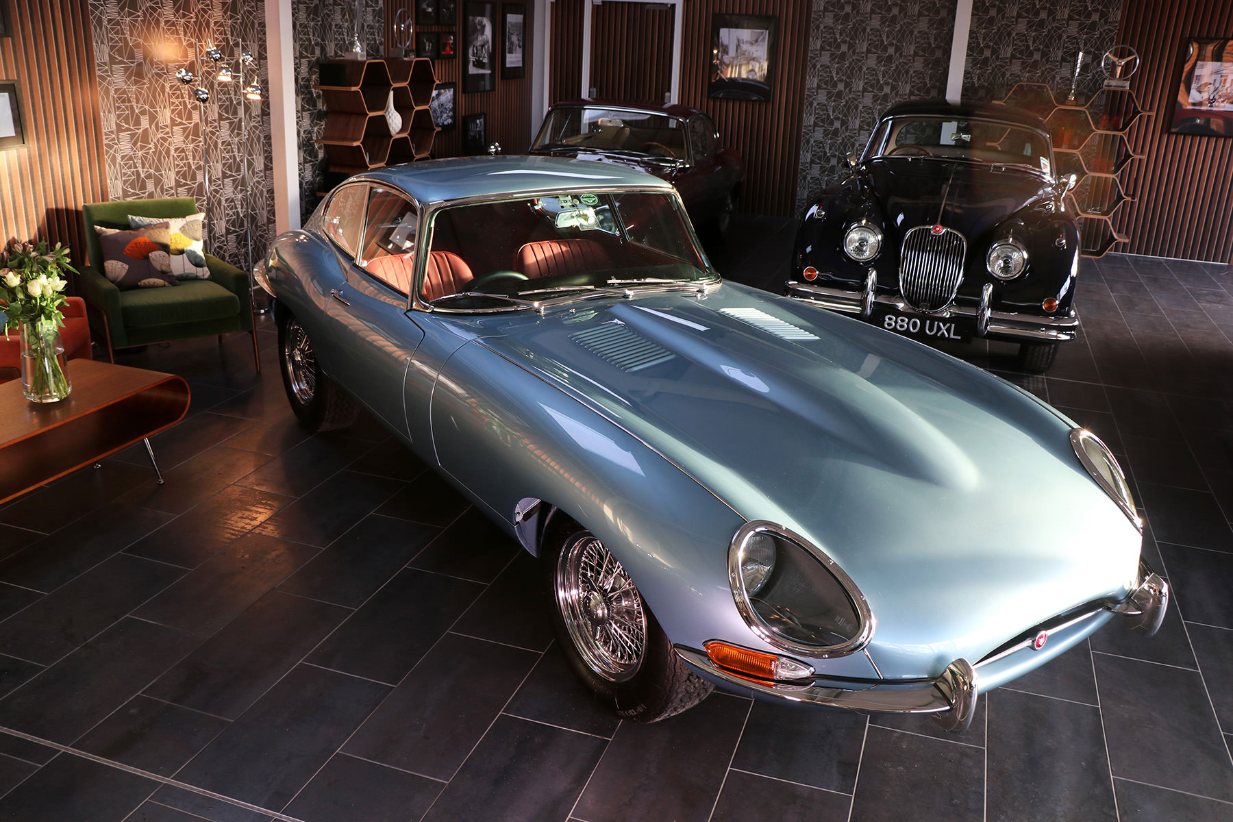 1966_opalescent_silver_blue_Jaguar_Sayer_etype_series _I_3_resized.jpg