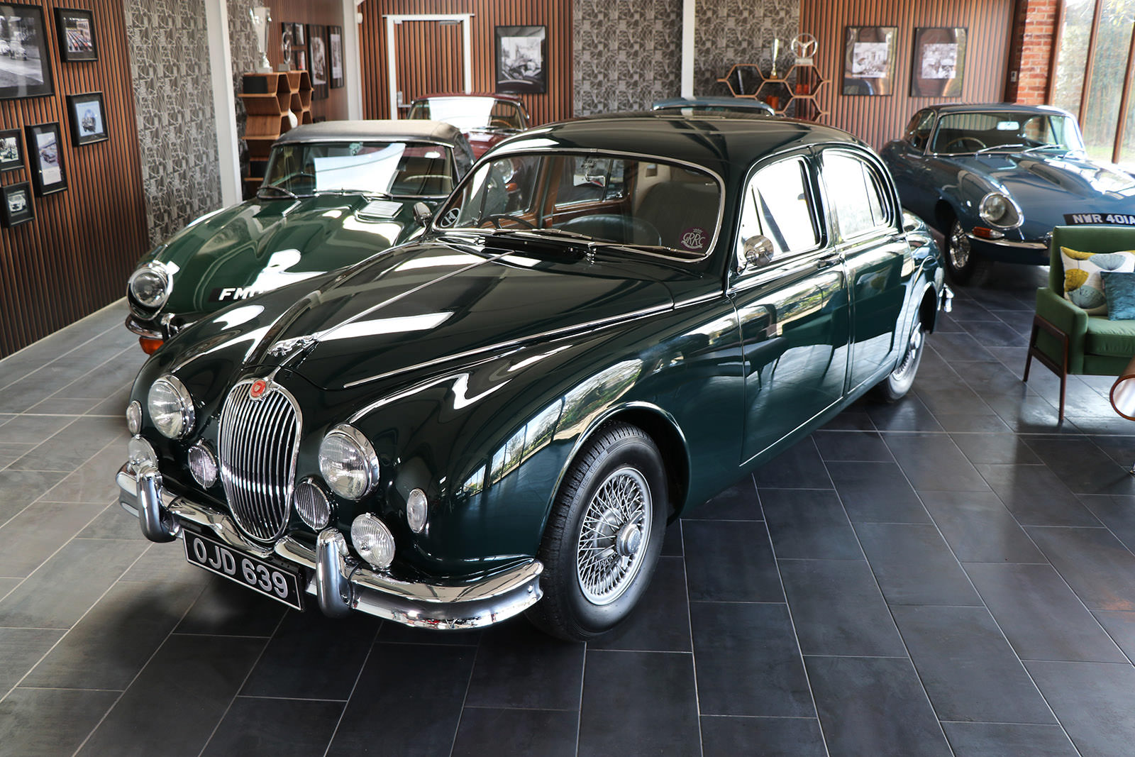1959_Jaguar_Mark 1_sayer selection_duncan hamilton_lady cheatham_1_web.jpg