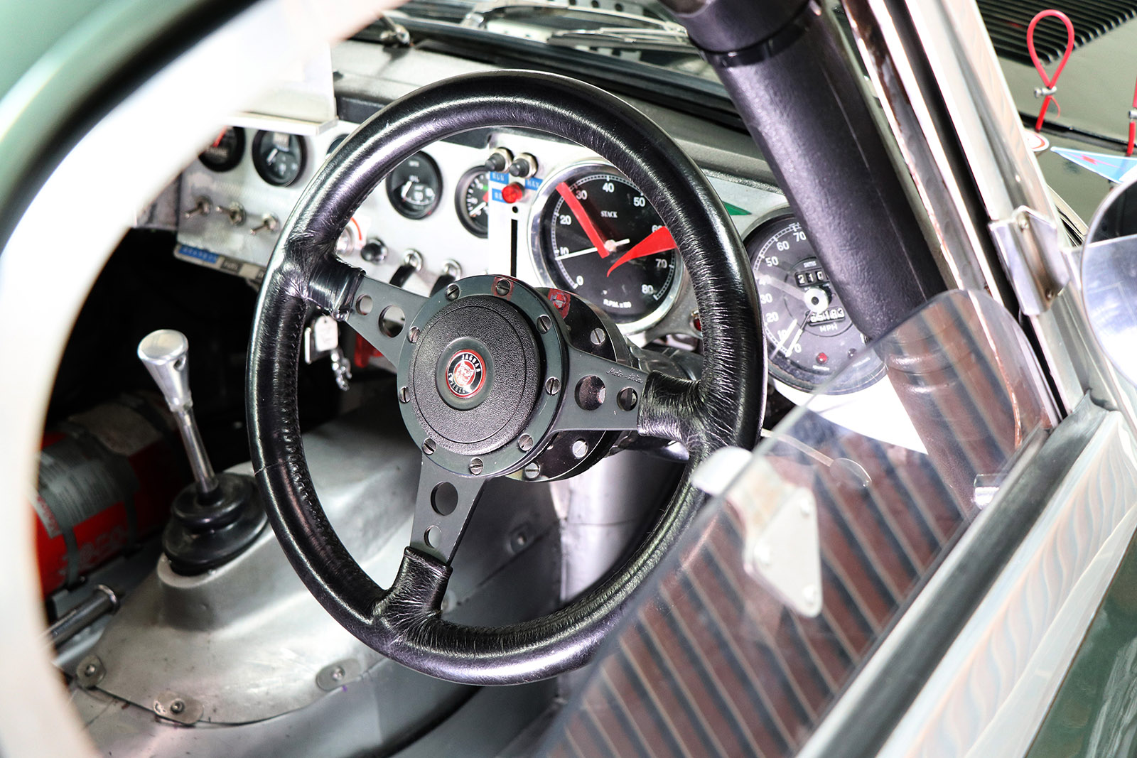 1963_Jaguar_E Type_M&C Wilkinson_works_racer_17_web .jpg