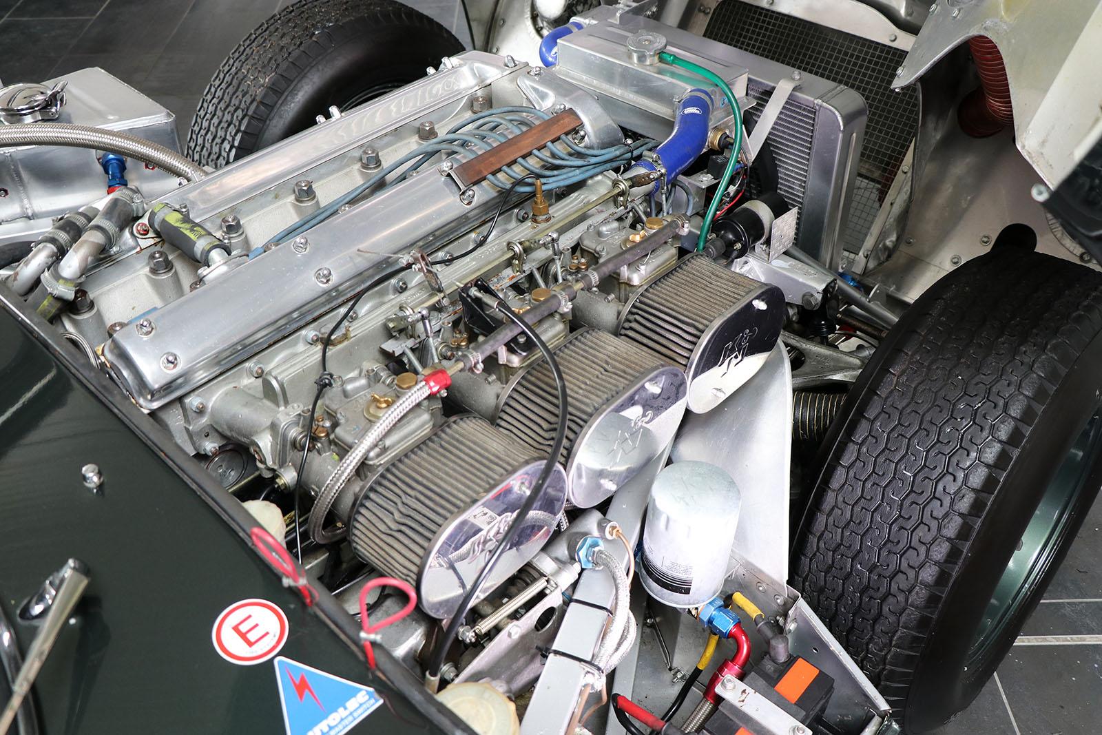 1963_Jaguar_E Type_M&C Wilkinson_works_racer_33_web .jpg
