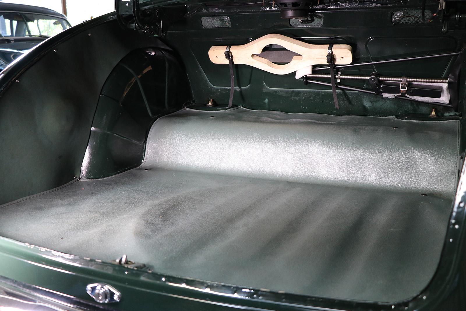 1959 Racing Green Jaguar Mark 1 Sayer Selection 19 web.jpg