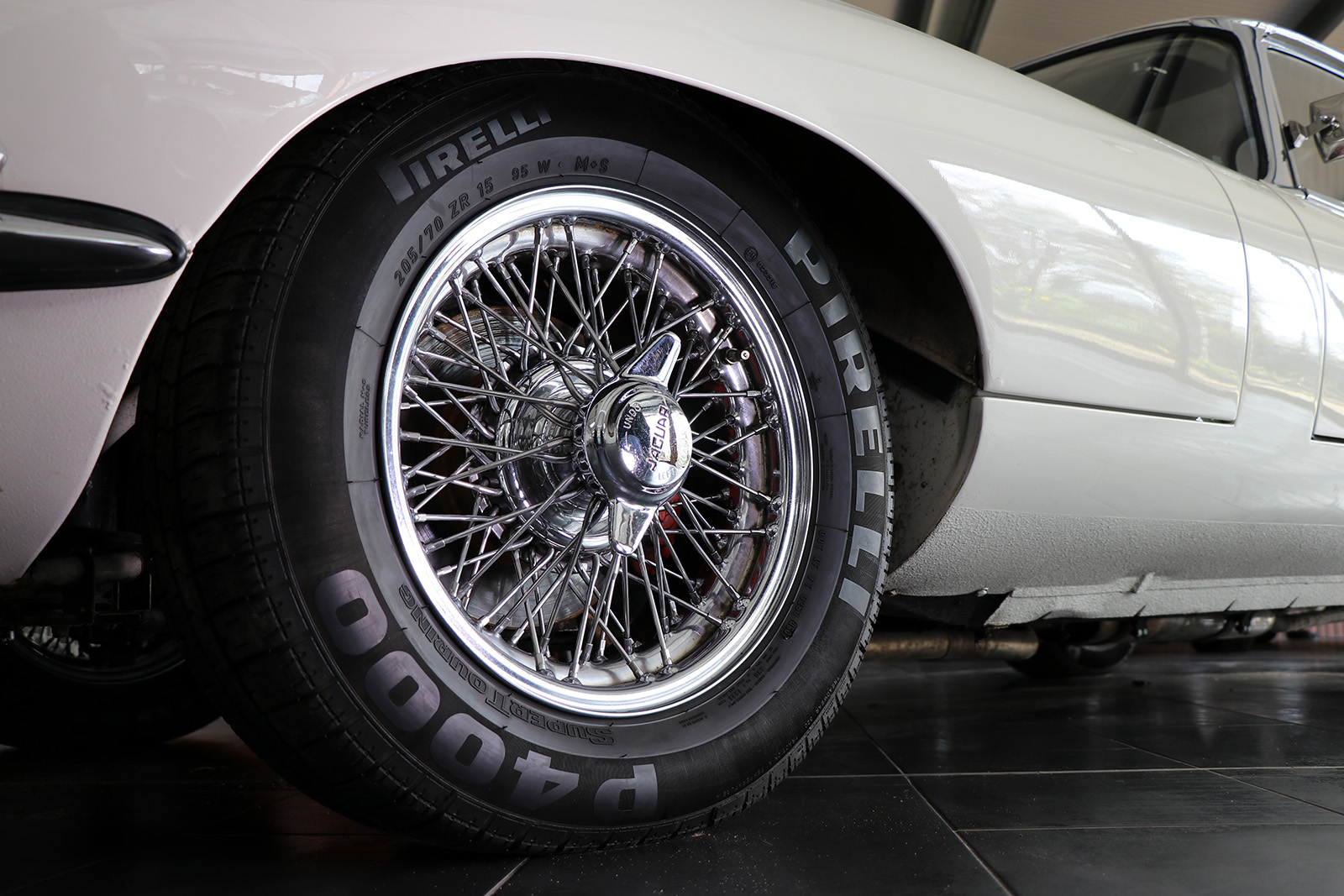 1966-white-Jaguar-E-Type-series 1-two plus two-Sayer Selection-3-web.jpg