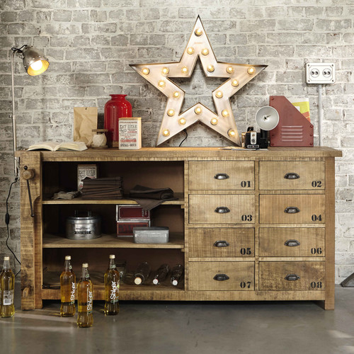 Alabama, Metal industrial Star Wall Light - £132.00  Contained in a circle with a radius of 80cm, this  wall light would be the centrepiece of a fun industrial style decor.   www.maisonsdumonde.com