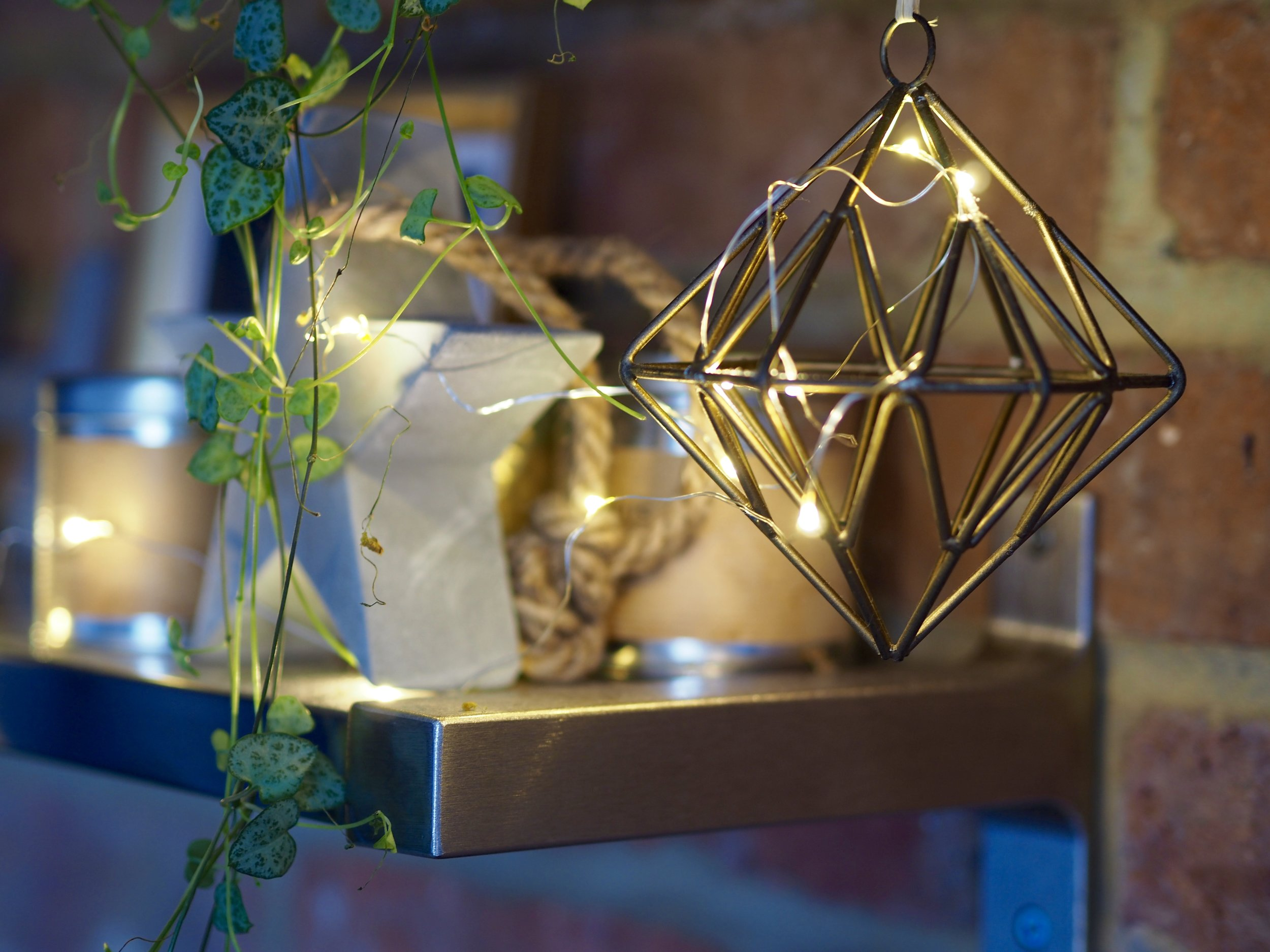 How beautiful does the warmth of the light look against the brass......I love these micro lights because their subtle warm light and small size don't overpower my favourite bits and bobs......