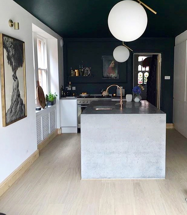 Trudy   @tindesign   has painted the back wall and ceiling in her kitchen to dramatic effect with   Valspar   Scottish Kilt, a very dark green....... I absolutely love the contrast of this against the other white walls!