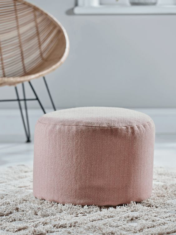 I love this wool pouf.....perfect for a bedroom or sitting room.  Herringbone wool pouf - Blush  £70    www.coxandcox.co.uk