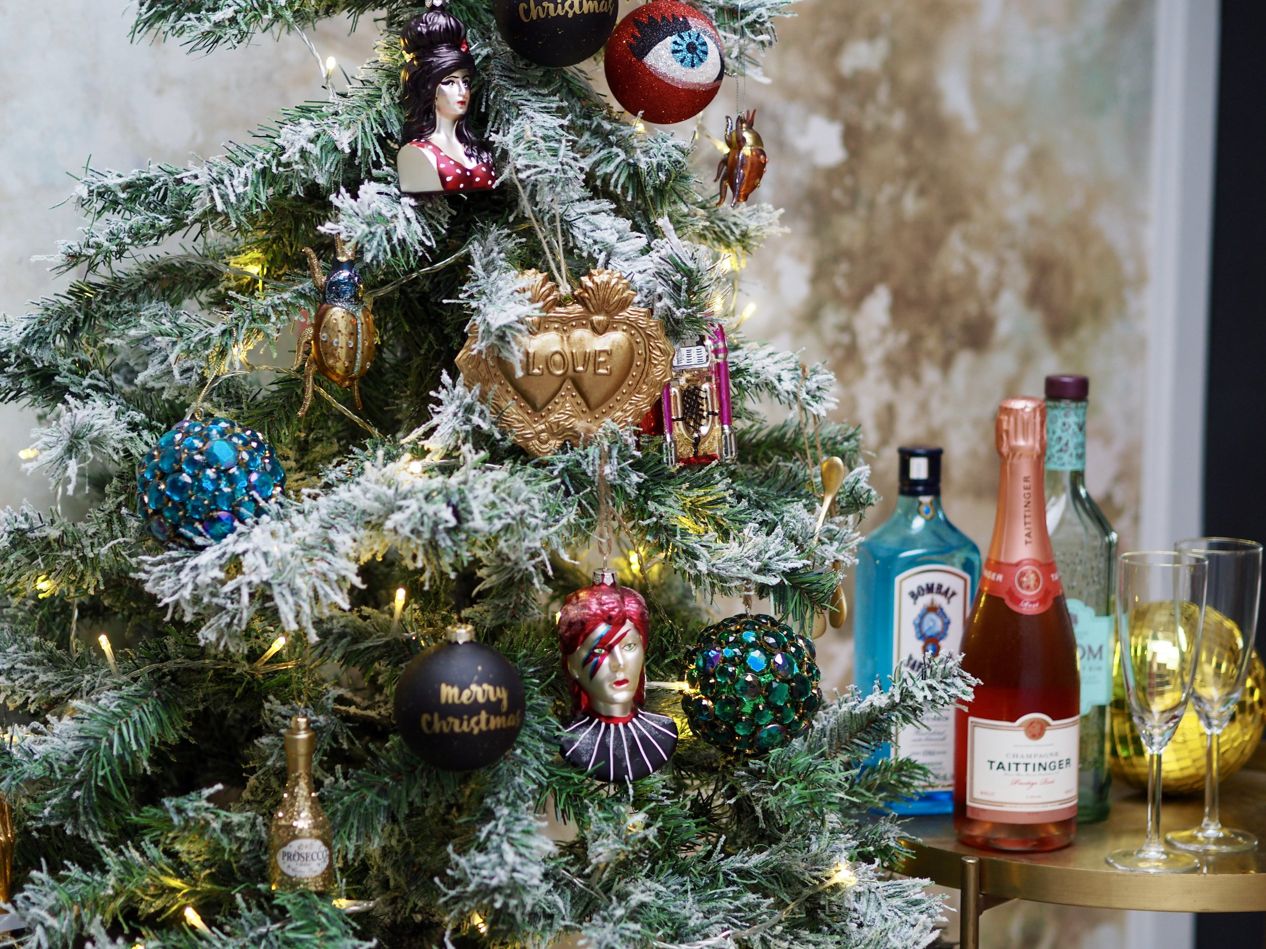 I love an eclectic tree with the quirky and traditional side by side…..