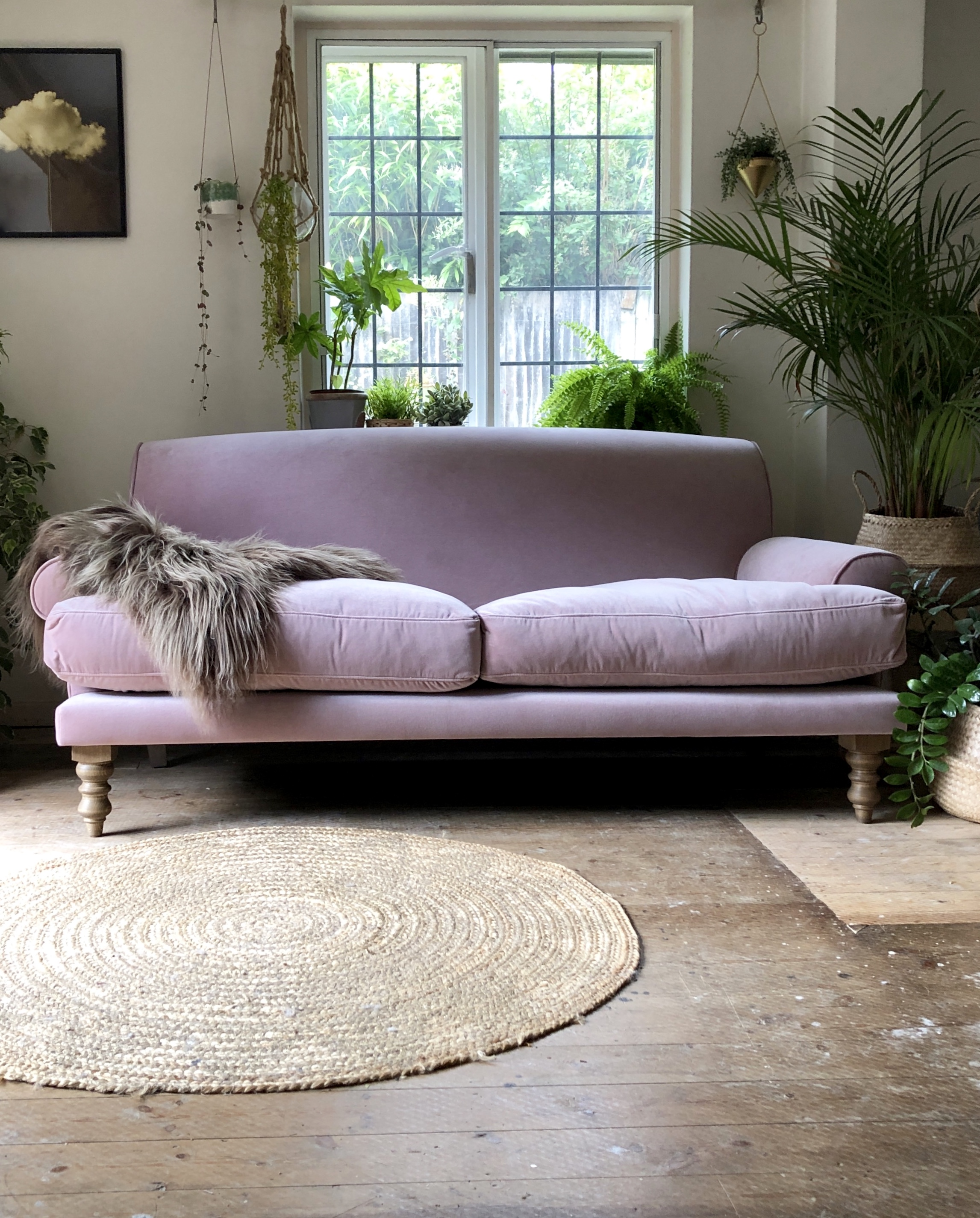 I do love these rustic floorboards next to the smooth pink velvet….