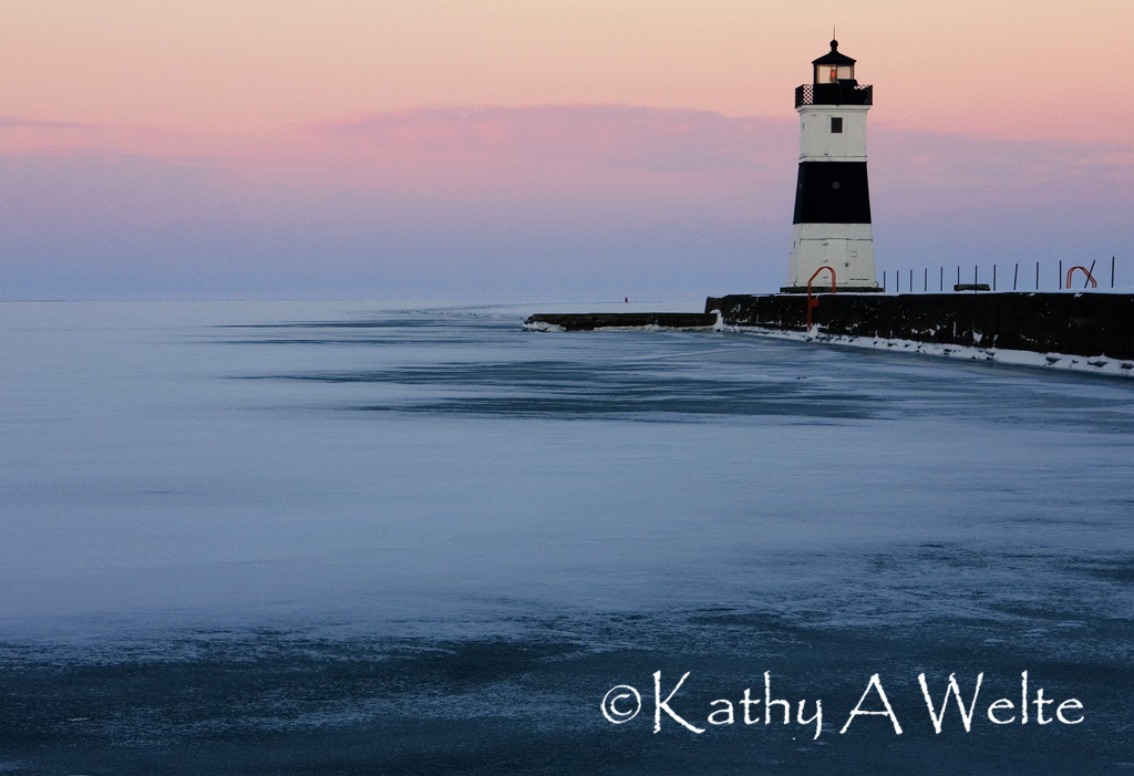 north-pier-lighthouse-at-dusk