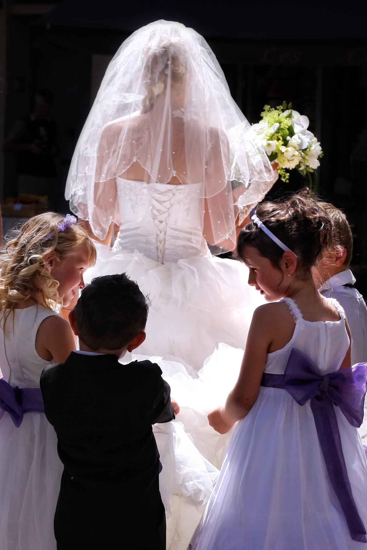 Wedding flower children - St-Rémy-de-Provence, France