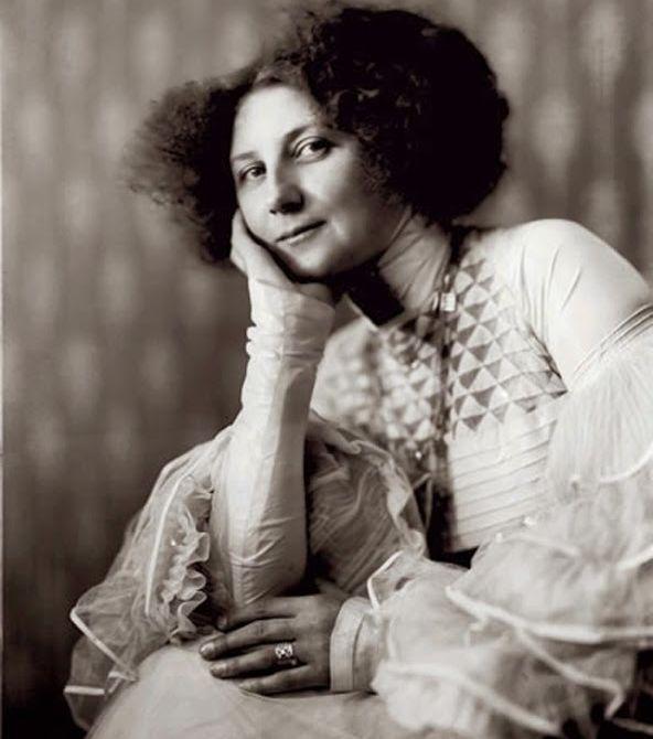 emilie-floege-1909.jpg