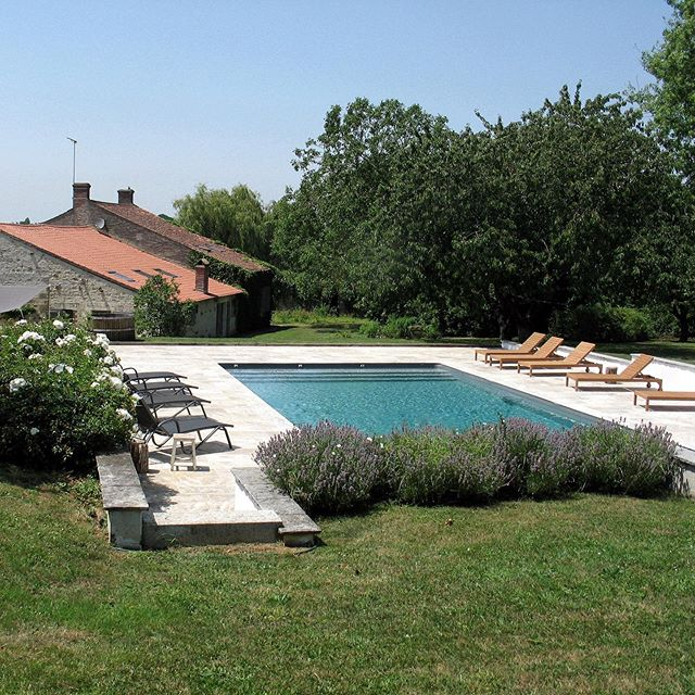 Not that I'm missing this view or anything.....booking is open for summer 2020 so if you fancy a week or two hanging out round this pool. Just DM me. #howiholiday #frenchfarmhouse #modernfarmhouse #frenchholidayhome #frenchlifestyle #pool #holidayhomes #holidayhome #brocantestyle #exteriordesign #exterior_design #gardendesign #garden #countrygarden #poolside #pool #frenchcountrystyle #frenchcountryside #vendee #outside #gardenviews #maisondecampagne #maisonenpierre #swimmingpool #comeandvisit #holidaydestination #frenchholidays