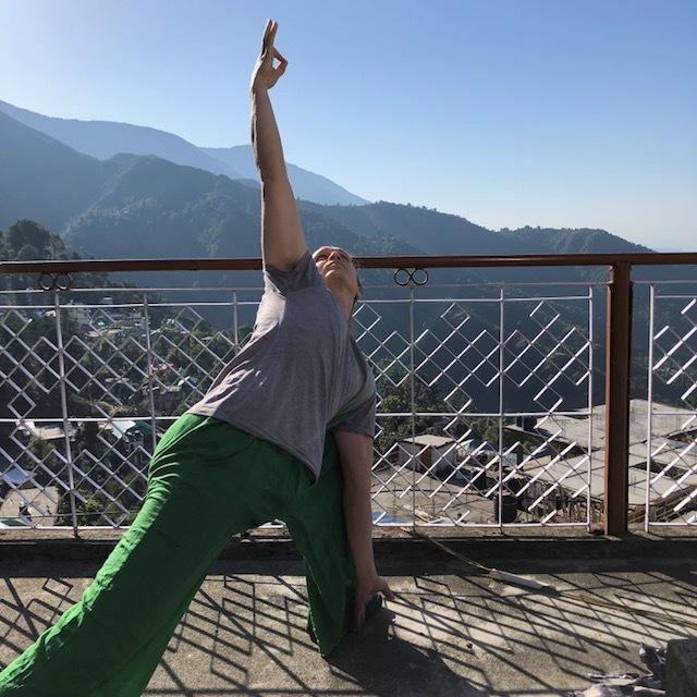 Yoga på hustaket i Dharamshala.