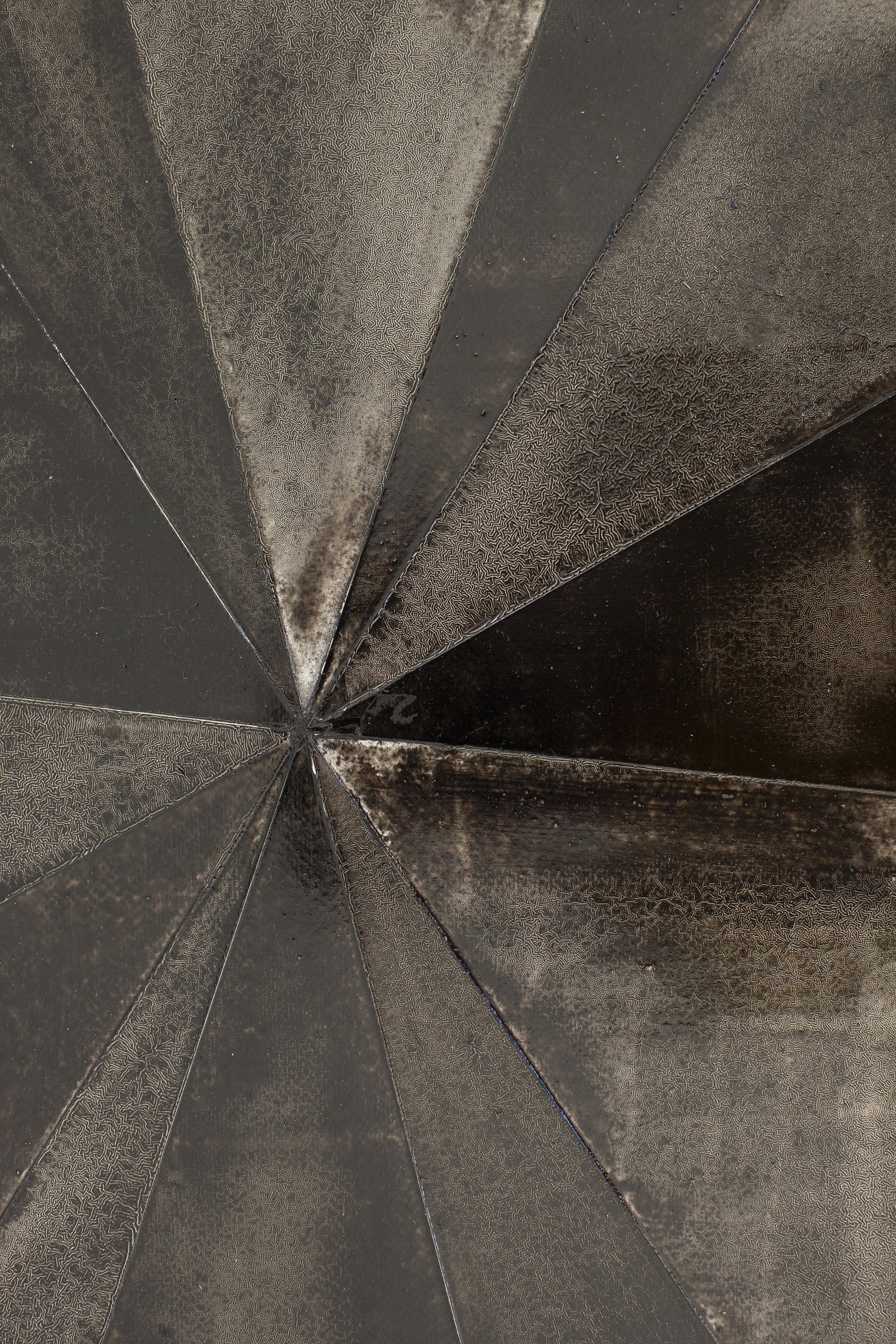 La Pecera.   Martin Pelenur ,    Black. 2017